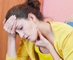 Gambar Orang Sakit Tenggorokan - Cara Alami untuk Mengobati Sakit Tenggorokan
