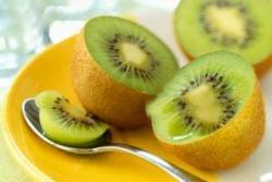 Gambar Buah Kiwi. Manfaat Buah Kiwi untuk Kecantikan