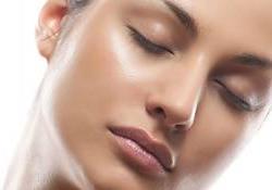 Wajah Berminyak. Obat untuk Menghilangkan Minyak di Wajah