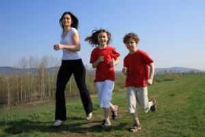 Gambar Orang Berlari. Cara Lari yang Benar