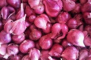 Manfaat dan Bahaya Mengonsumsi Bawang Merah