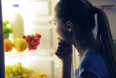 Makanan dan Minuman yang Harus Dihindari Saat Malam Sebelum Tidur