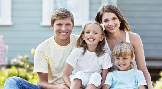 Gambar Keluarga yang Harmonis
