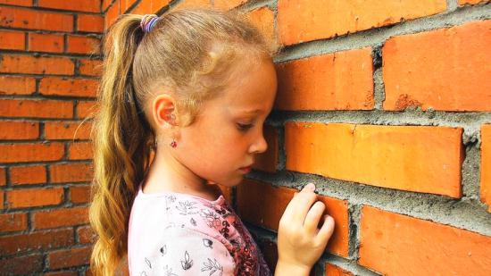 Gambar Anak yang yang Sedang Depresi