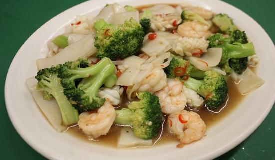 Bahan dan Resep Cumi Cah Brokoli