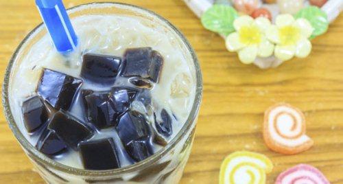Gambar Es Teh Cincau dengan Susu