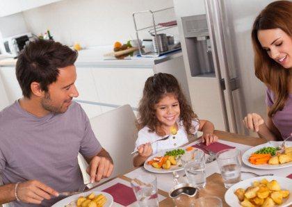 Gambar cara makan sahur bikin tubuh tidak cepat lapar dan haus