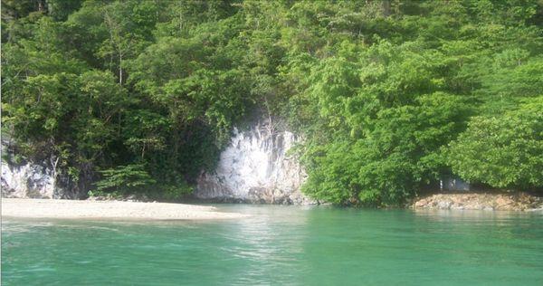 Gambar Sungai Tamborasi di Sulawesi Tenggara