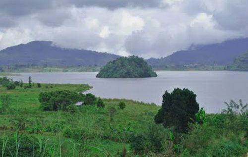 Tempat Wisata Danau Moat di Sulawesi Utara