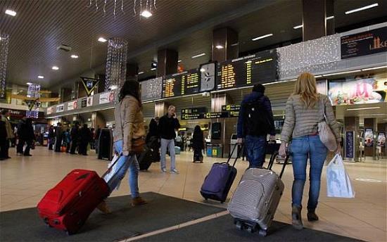 Trik Menghindari Biaya Tambahan untuk Bagasi Pesawat