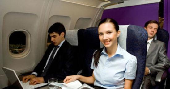 Gambar Orang Sakit Flu Saat Naik Pesawat